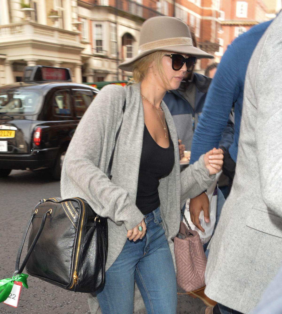 JENNIFER LAWRENCE Arrives at Her Hotel in London 09/06/2017