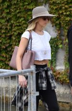 JENNIFER LAWRENCE Out and About in Venice 09/03/2017