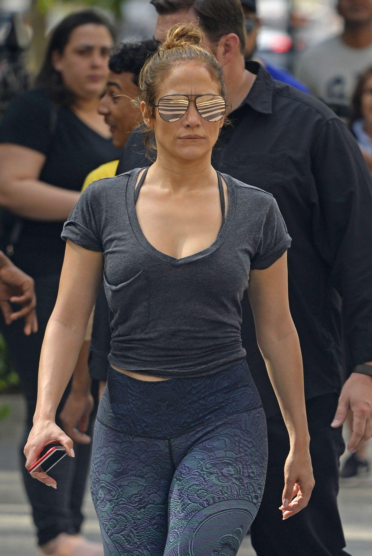 Jennifer Lopez Heading To A Gym In New York 09 26 2017