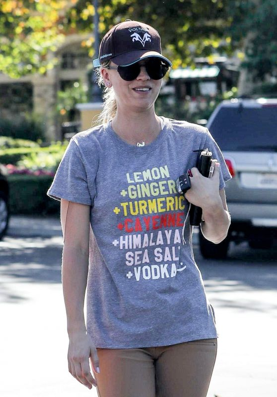 KALEY CUOCO Out and About in Calabasas 09/29/2017