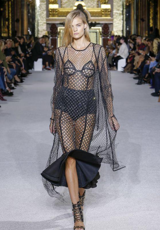 KATE GRIGORIEVA at Balmain Spring/Summer 2018 Fashion Show