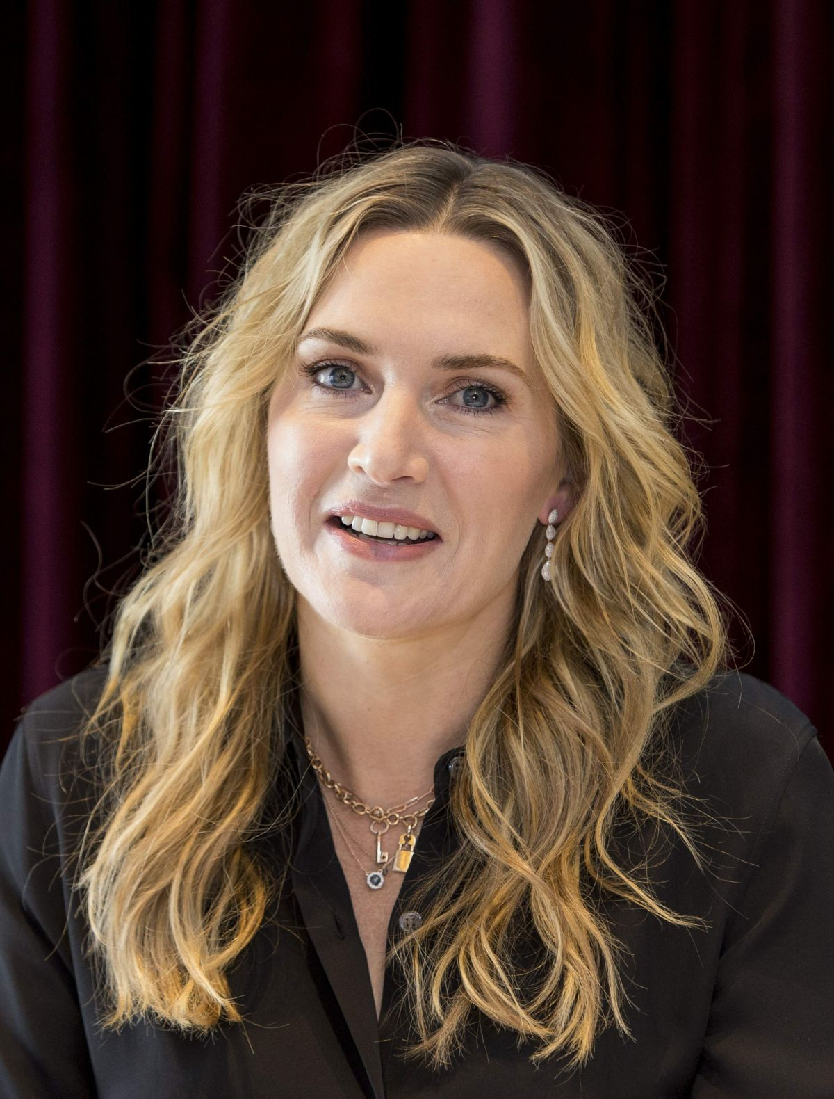 KATE WINSLET at The Mountain Between Us Photocall at 2017 ... Kate Winslet
