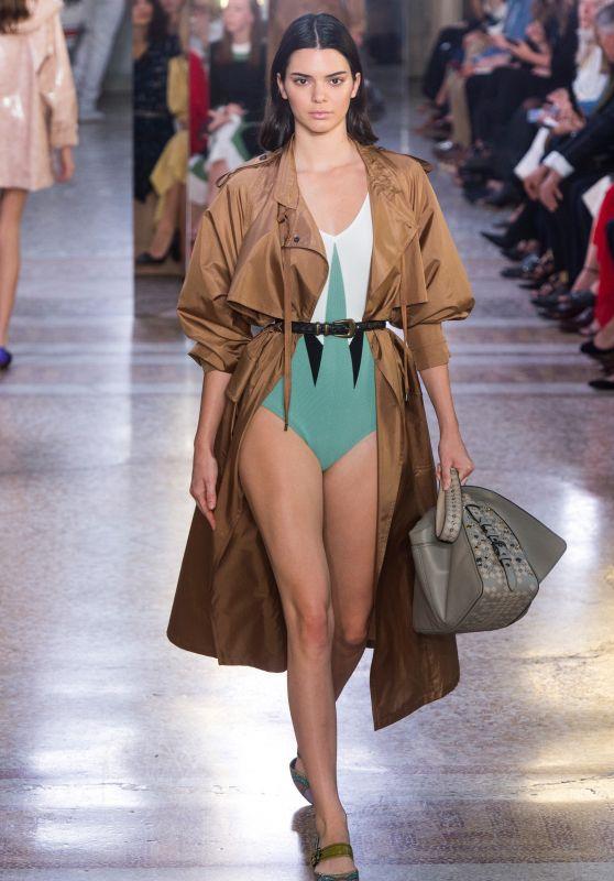KENDALL JENNER at Bottega Veneta Fashion Show at Milan Fashion Week