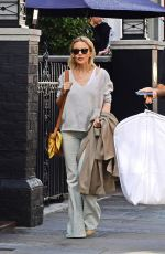 KYLIE MINOGUE Out and About in London //