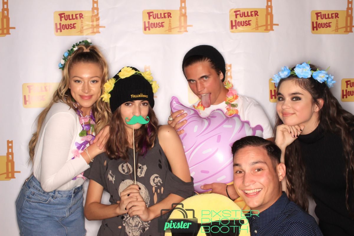LANDRY BENDER at Fuller House Season 3 Wrap Party Photo Booth in Burbank, September 2017