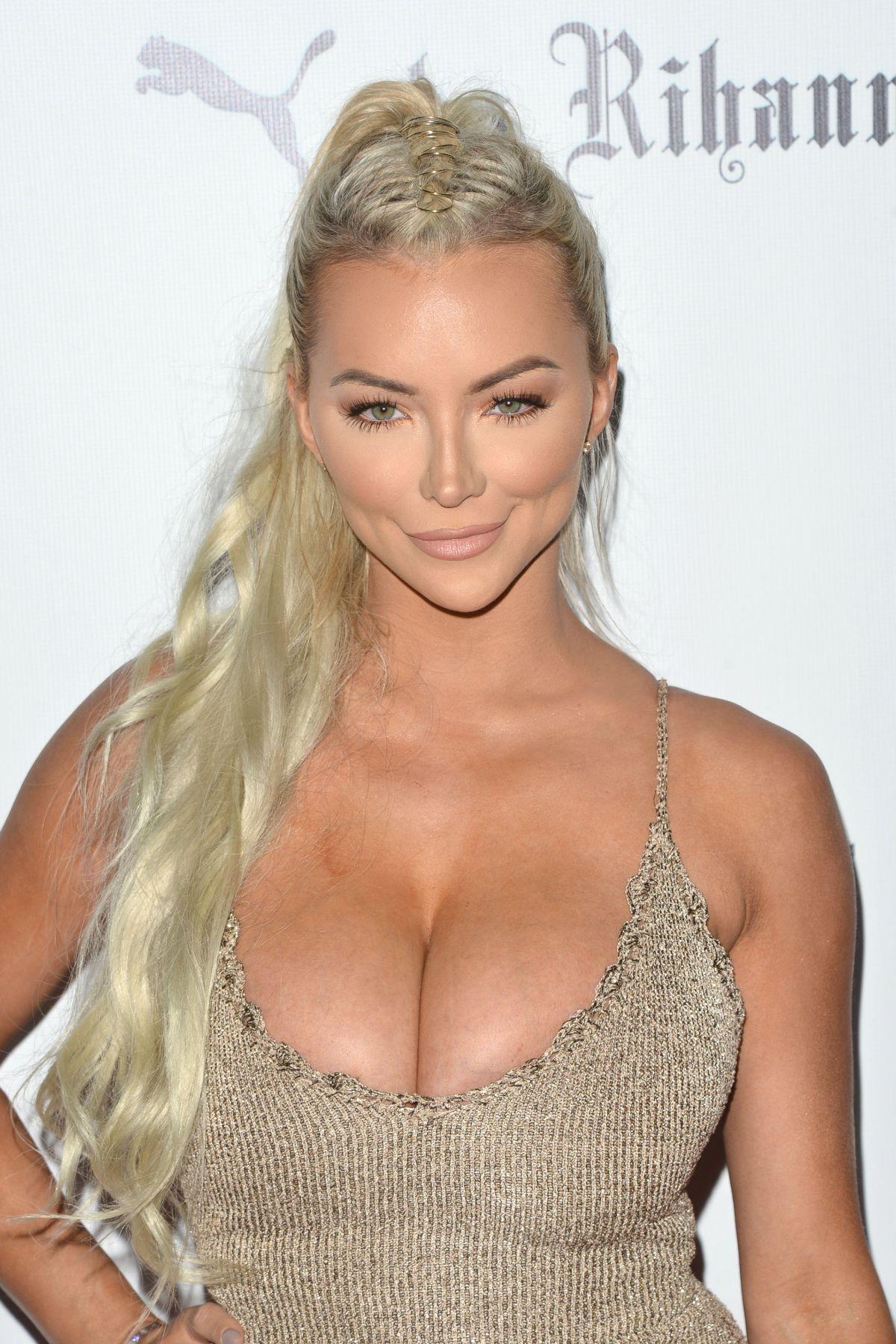 Lindsay Pelas nude 617