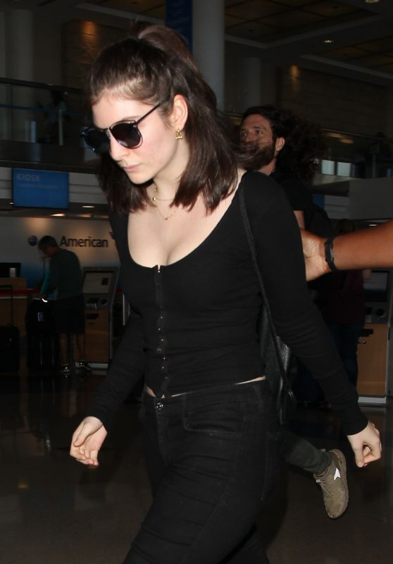 LORDE at Los Angeles International Airport 09/21/2017