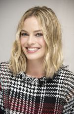 MARGOT ROBBIE at Goodbye Christopher Robin Press Conference in London 09/19/2017