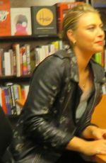 MARIA SHARAPOVA Signing Her Book at Barnes & Noble in New York 09/12/2017