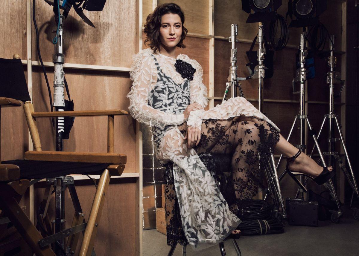 MARY ELIZABETH WINSTEAD Vanity Fair & FX Emmy Portrait 09/16/2017