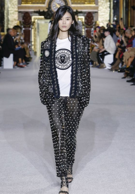 MING XI at Balmain Spring/Summer 2018 Fashion Show
