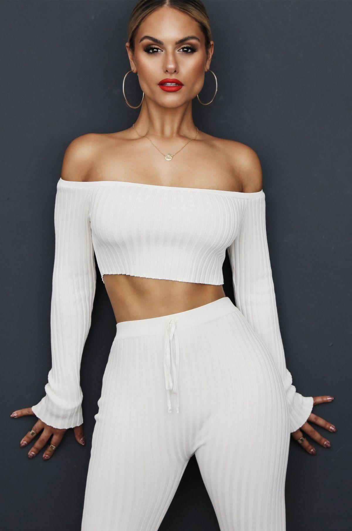 Pia toscano jluxlabel fallin for pia fashion line 2019 - 2019 year