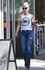 Pregnant GWEN STEFANI Leaves a Liquor Store in Sherman Oaks 09/22/2017