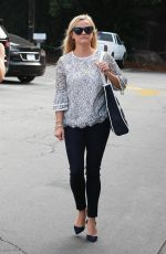 REESE WITHERSPOON at Country Mart in Brentwood 09/15/2017