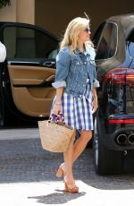 REESE WITHERSPOON Out in Los Angeles 09/02/2017