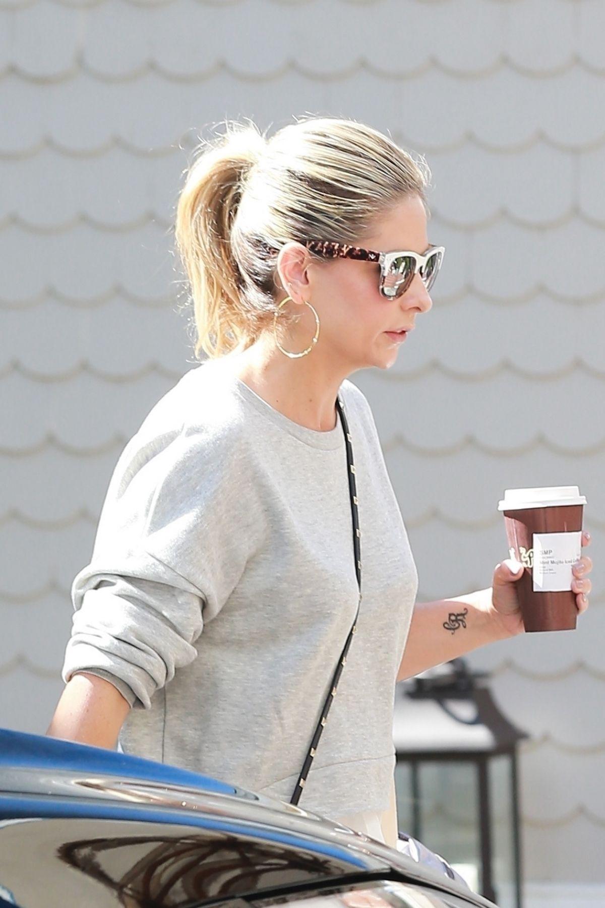 SARAH MICHELLE GELLAR Out for Coffee in Santa Monica 09/21/2017
