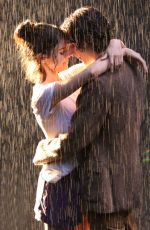 SELENA GOMEZ Kissing on the Rain on the Set of Untitled Woody Allen Project 09/26/2017