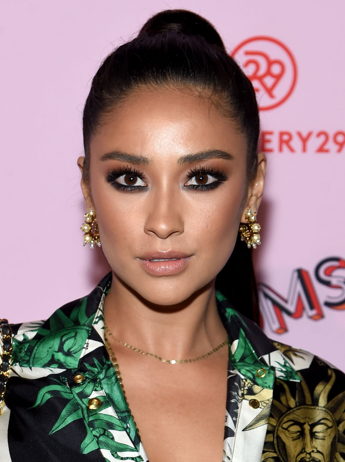 Shay Mitchell At Refinery29 Third Annual 29rooms Turn It Into Art Event In Brooklyn 09 07 2017