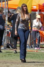 SOFIA VERGARA, JULIE BOWEN and ARIEL WINTER on the Set of Modern Family in Lake Tahoe 09/21/2017