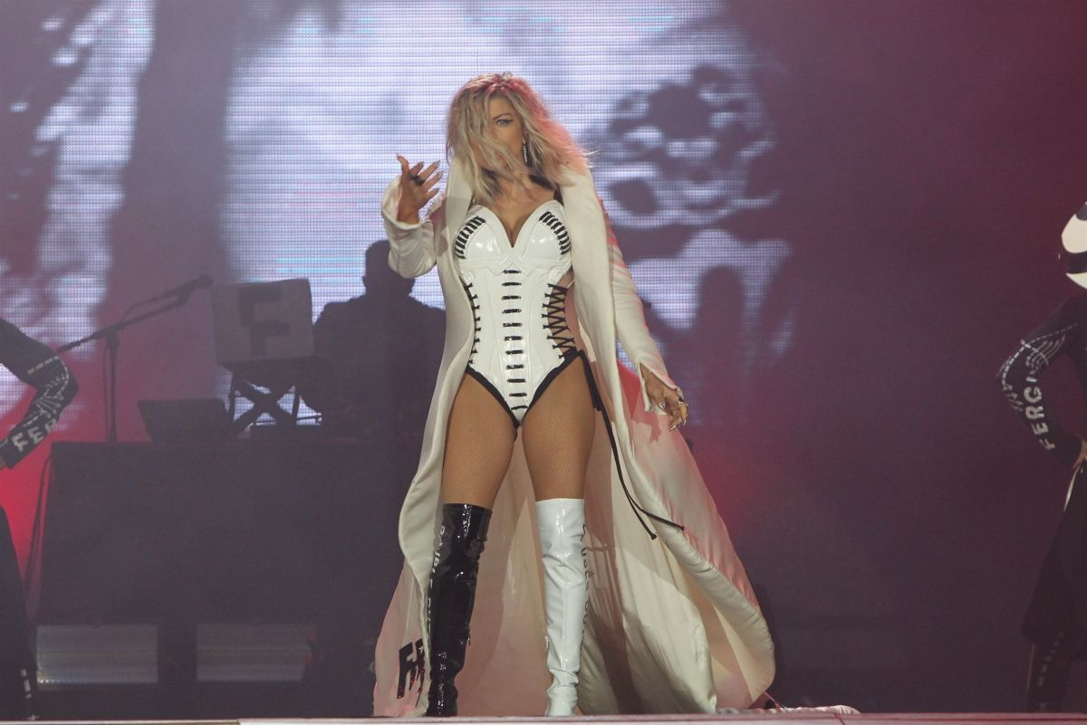 STACY FERGIE FERGUSON Performs at Rock in Rio in Rio De Janerio 09/16/2017