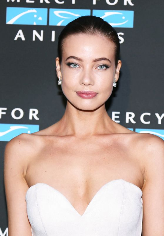 STEPHANIE CORNELIUSSEN at Mercy for Animals Annual Hidden Heroes Gala in Los Angeles 09/23/2017