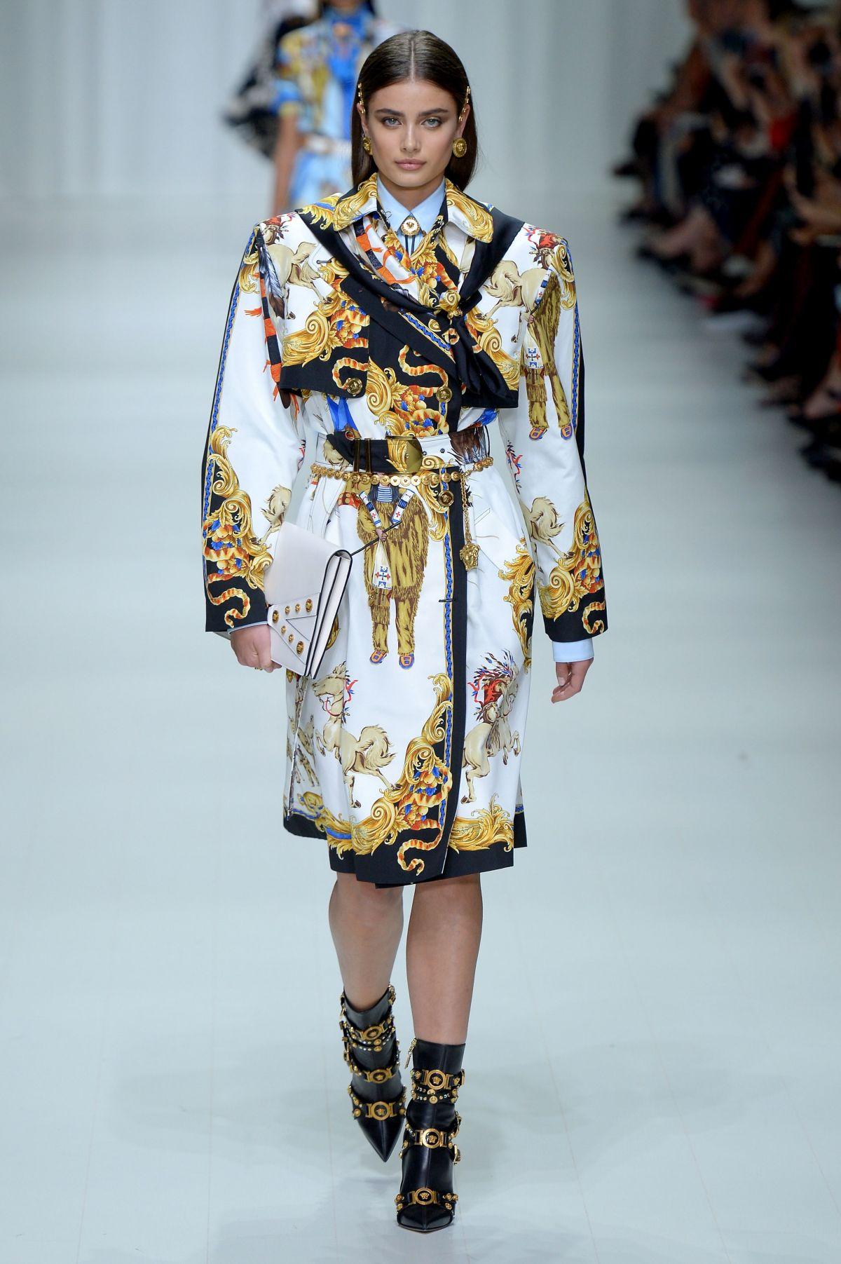 TAYLOR HILL at Versace Fashion Show at Milan Fashion Week ...