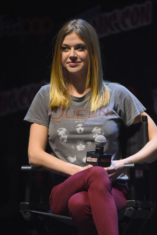ADRIANNE PALICKI at The Orville Panel at 2017 New York Comic-con 10/06/2017