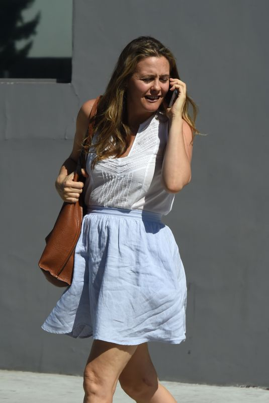 ALICIA SILVERSTONE Leaves Crossroads Kitchen in West Hollywood 10/04/2017