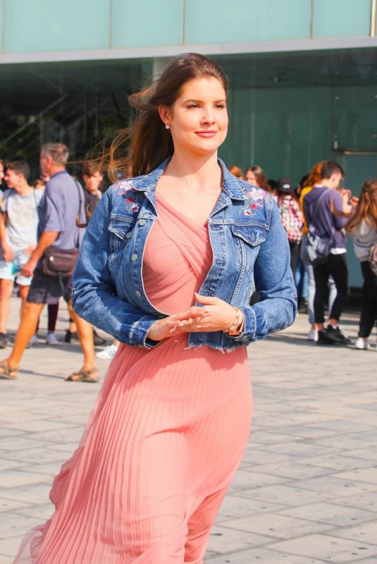 AMANDA CERNY Out and About in Barcelona 10/09/2017