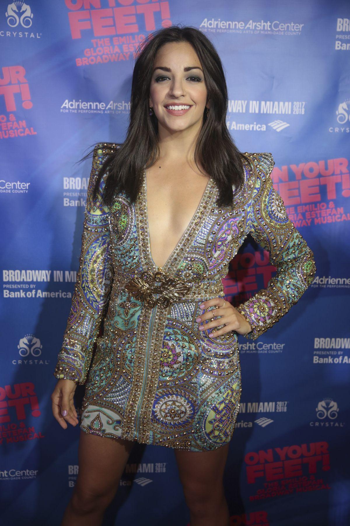 braless Ana Villafane naked photo 2017