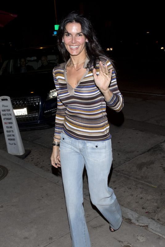 ANGIE HARMON at Craig's Restaurant in West Hollywood 10/25/2017