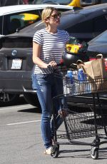 ASHLEY GREENE Shopping at Pavilions Grocery Store in Beverly Hills 10/10/2017