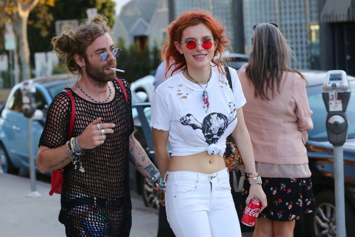 Bella Thorne Leaves Body Electric Tattoo Shop In West Hollywood 10