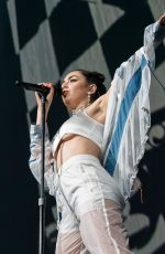 CHARLI XCX Performs at a Concert in Orlando 10/21/2017