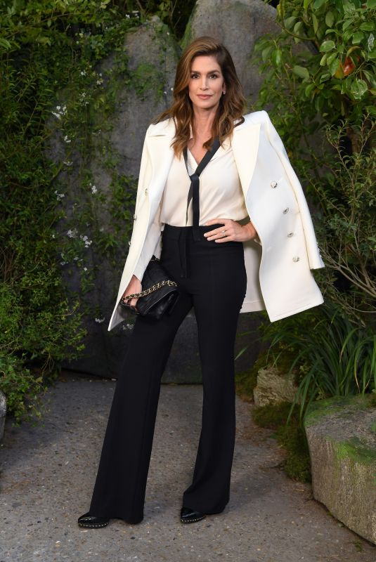CINDY CRAWFORD Arrives at Chanel Fashion Show in Paris 10/03/2017