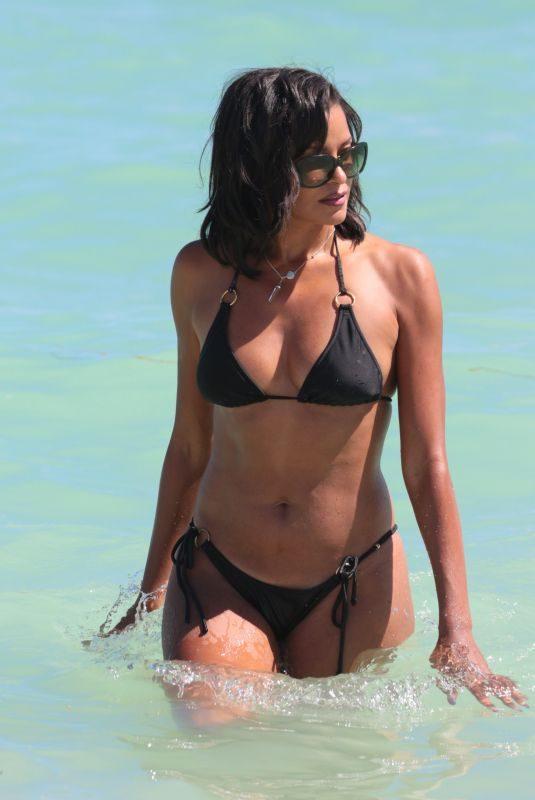 CLAUDIA JORDAN in Bikini on the Beach in Miami 10/15/2017