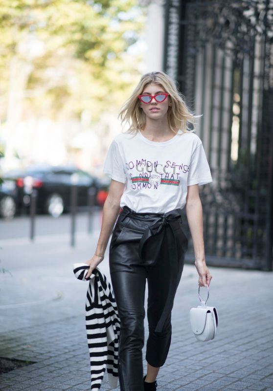 DEVON WINDSOR Out and About in Paris 09/29/2017