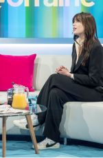 DIASY LOWE at Lorraine Show in London 10/11/2017