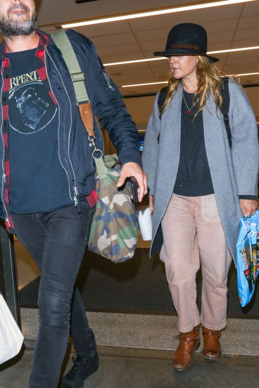 DREW BARRYMORE at Los Angeles International Airport 10/18/2017