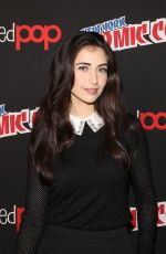 EDEN BROLIN and DILAN GWYN at Beyond Photocall at New York Comic-con 10/07/2017
