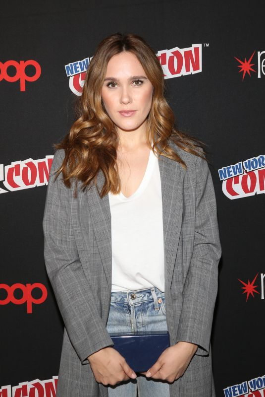 EDEN BROLIN at Shadowhunters Panel at New York Comic-con 10/07/2017