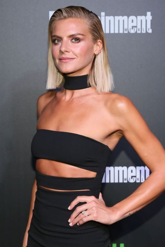 ELIZA COUPE at Hulu's New York Comic-con After Party 10/06/2017