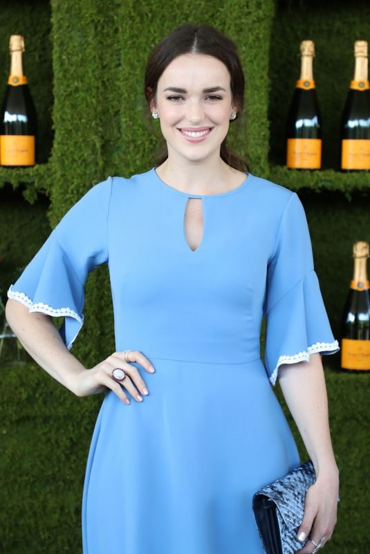 ELIZABETH HENSTRIDGE at 8th Annual Veuve Clicquot Polo Classic in Los Angeles 10/14/2017