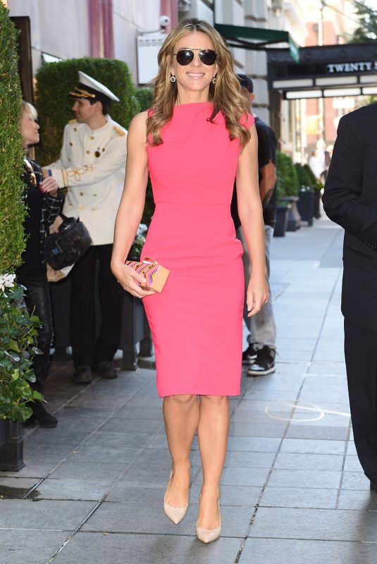 ELIZABETH HURLEY Leaves Her Hotel in New Yrok 10/03/2017