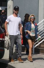 ELSA PATAKY and Chris Hemsworth Out Shopping in Venice Beach 10/02/2017