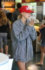 HAILEY BALDWIN at Earthbar in West Hollywood 10/06/2017
