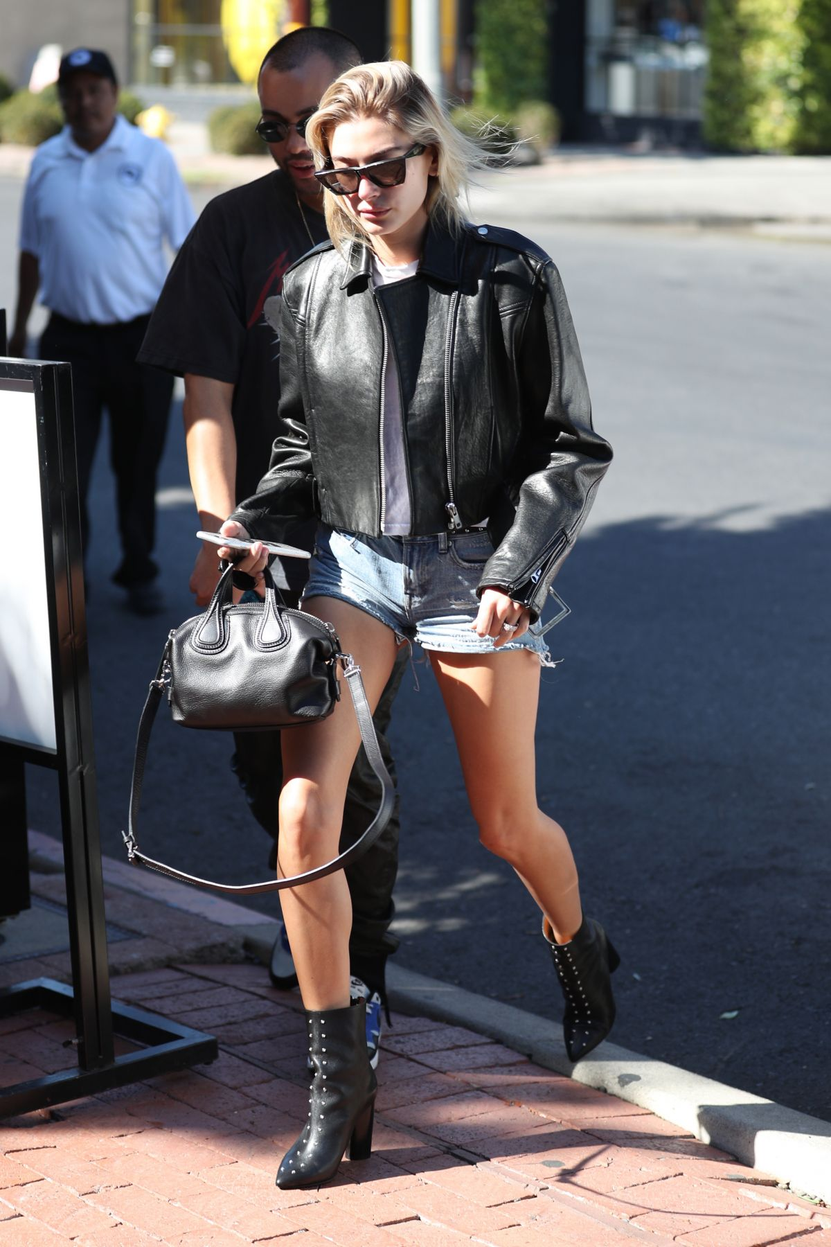 Hailey baldwin in denim shorts at 901 salon in west for 901 salon west hollywood