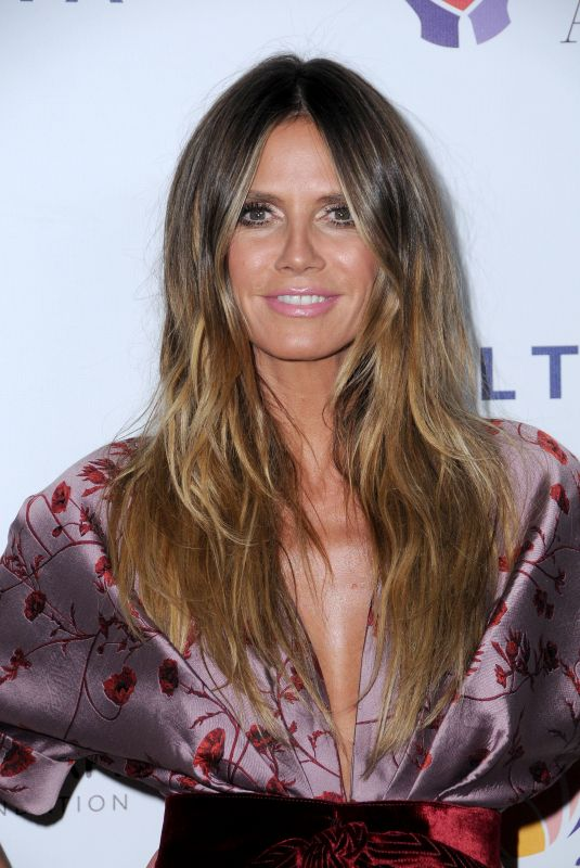 HEIDI KLUM at Elizabeth Taylor Aids Foundation and mothers2mothers Benefit Dinner in Los Angeles 10/24/207