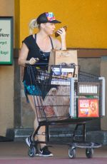 JENNIE GARTH Out Shopping in Los Angeles 10/24/2017