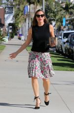 JENNIFER GARNER Arrives at a Church in Pacific Palisades 10/15/2017